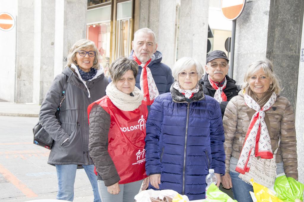 Uova di Pasqua AIL 2016 Torino Piazza CLN